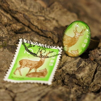 "Ring aus Briefmarke ""Reh"""