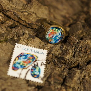 "Ring aus Briefmarke ""Opal"""