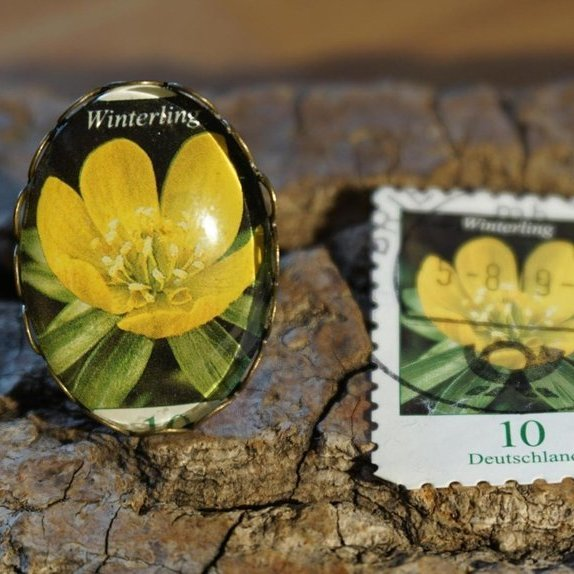 "Ring aus Briefmarke ""Winterling"""
